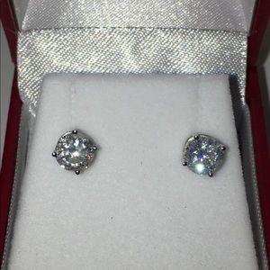 Jewelry - 14KT White Gold 1.50CTW Natural Diamond Earrings